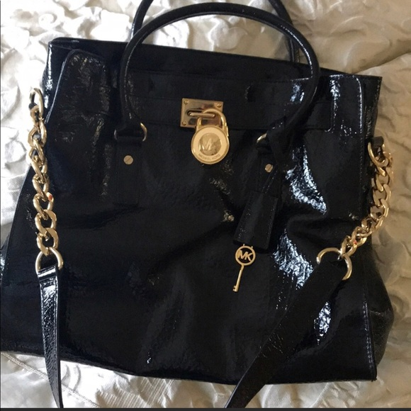 7f1129ee885eae Michael Kors Black patent Hamilton bag. EUC. M_5ad3843f46aa7cfa24022f5e